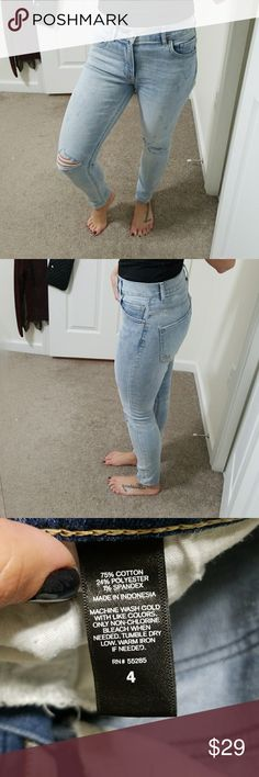 EUC High Rise Jeans Light wash with holes, cropped, skinny jeans.  🐾Pet-friendly, smoke-free home. 📦Fast shipper. 💫Top-rated seller. 🖤Considering all reasonable offers. Express Jeans Ankle & Cropped