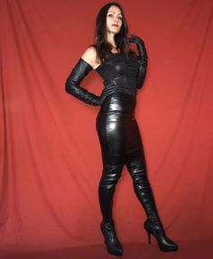 Sexy Outfits, Fall Outfits, Latex Dress, Platform High Heels, Leather Gloves, Leather Fashion, Fashion Models, Black Leather, Lady
