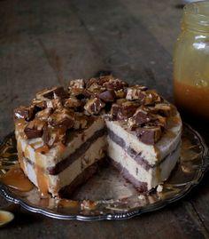 Snickers- glasstårta – Fridas Bakblogg