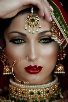 VIP Media Group - Asian Wedding Photography and Cinematography Princesa Indiana, Chica Fantasy, Indian Bridal Makeup, Asian Bride, Bridal Looks, All About Fashion, Fashion Advice, Indian Beauty, Indian Jewelry