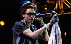 Songs by wiz-khalifa Taylors Gang, Tour Tickets, Universal City, Wiz Khalifa, Internet Radio, The Wiz, Stuff To Do, Hip Hop, Tours