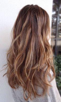 Long-Layered-Wavy-Hairstyle