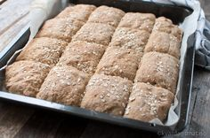 langpannebrød med rug og havre Food N, Diy Food, Food And Drink, Vegetarian Recipes, Cooking Recipes, Norwegian Food, Norwegian Recipes, Piece Of Bread, Homemade Cookies