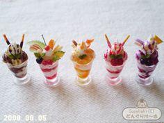 Parfait Miniature Crafts, Miniature Food, Miniature Dolls, Barbie Food, Doll Food, Biscuit, Mini Donuts, Tiny Food, Polymer Clay Miniatures
