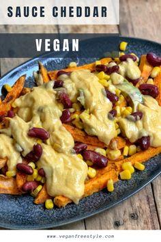 """Recette originale et délicieuse de sauce cheddar vegan.  À servir avec des frites de patates douces ou des tacos, des haricots rouges et du maïs  Disponible sur le blog et dans mon ebook """"50 recettes de sauce vegan"""" Best Vegan Desserts, Vegan Cheese Recipes, Vegan Mexican Recipes, Vegan Sauces, Vegan Dessert Recipes, Vegetarian Recipes, Ethnic Recipes, Blog Vegan, Vegan Life"""
