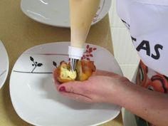 COMO HACER BUÑUELOS DE VIENTO CON Y SIN THERMOMIX Relleno, Plastic Cutting Board, Salsa, Pudding, Cake, Desserts, Food, Funnel Cakes, How To Make