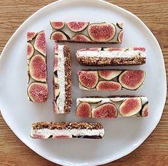 Fig and vegan cream cheese granola bar.