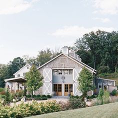 Small pole barn homes are you thinking about building one? We can help you find companies that build pole barn homes in your area. Modern Barn, Modern Farmhouse, Farmhouse Style, Modern Rustic, Dream Barn, My Dream Home, Stommel Haus, Barndominium Floor Plans, Casas Containers