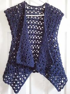 Ravelry: Mesh Vest pattern by Doris Chan Free crochet pattern Ravelry: Mesh Vest pattern by Doris Chan. I'd like to make this shape but from material, preferably cotton or viscose. Ravelry: Mesh Vest pattern by Lion Brand Yarn (crochet - free) - try to fi Gilet Crochet, Crochet Vest Pattern, Crochet Jacket, Crochet Cardigan, Crochet Scarves, Crochet Shawl, Crochet Yarn, Knitting Patterns Free, Crochet Clothes