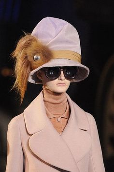 Louis Vuitton Fall 2012 — Plus, Accessories Louis Vuitton Hat, Louis Vuitton Handbags, Marc Jacobs, Pose, Cute Summer Outfits, Summer Clothes, Wearing A Hat, Love Hat, Madame