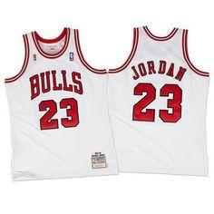 ea2875ea590 Mitchell & Ness Men's Michael Jordan Chicago Bulls Authentic Gold Jersey -  Yellow S