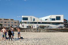 North Bondi Surf Life Saving Club by Durbach Block Jaggers in association with Peter Colquhoun. Public Architecture, Architecture Awards, Famous Beaches, Bondi Beach, City Beach, Surface Design, Facade, Street View, Australia