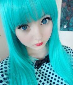 venus palermo, the human doll Venus Palermo, Anime Makeup, Doll Makeup, Lolita Makeup, Harajuku Girls, Harajuku Fashion, Venus Angelic, Color Contacts For Halloween, Human Doll