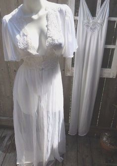 278efd16ee Vintage Nightgowns · Val Mode Gorgeous Lace Beaded Nightgown with Chiffon Peignoir  Set White Bridal S