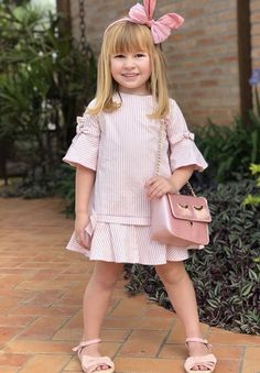 Beautiful fashion little girl in a gray dress. Little Girl Dresses, Girls Dresses, Dress Anak, Little Girl Fashion, Child Fashion, Women's Fashion, Fashion Images, Ladies Fashion, Fashion Trends