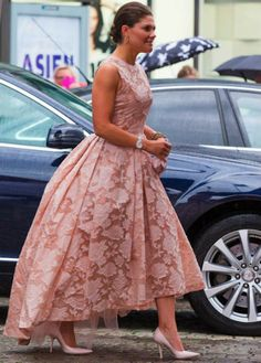 Swedish Royals attend Polar Prizes (music award), August 26, 2014-Crown Princess Victoria wearing a dress by H&M