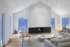Alta Chalet Modern Home in Collingwood, Ontario, Canada by AKB on Dwell Living Room Modern, Living Room Designs, Living Spaces, Chalet Design, House Design, Sala Grande, Light Hardwood Floors, Ski Chalet, Minimalist Architecture