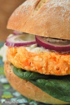 Hamburguesas de calabaza con avellanas y crema de gorgonzola PLATOS VEGANOS @@@...http://es.pinterest.com/iiguerra/vegano/