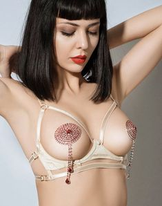 E.L.F Zhou London | Vegas Gold cupless harness bra & Red crystal drop nipplets