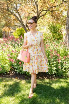 ladylike floral spring summer outfit inspiration