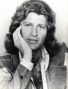 Mike Brant. 1947-1975 (28 ans)