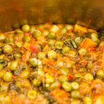 Mancare de mazare – Reteta de post Chana Masala, Pesto, Vegetables, Ethnic Recipes, Food, Alternative, Veggie Food, Vegetable Recipes, Meals