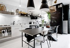 10 Black and White Kitchens We Love