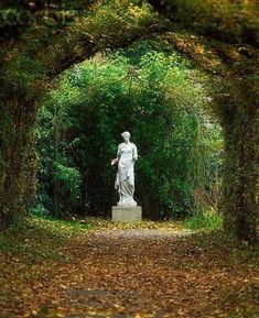 Garden Statue at Birr Castle Dream Garden, Garden Art, Slytherin Aesthetic, Formal Gardens, Nature Aesthetic, Garden Statues, Garden Sculptures, Parcs, Garden Ornaments