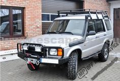 Specifics: expedition roof rack made on Land Rover Discovery II pipes diameter - 25 mm mounting on roof rain gutter including mounting bolts tested on 200 Kg load inner dimensions: 145 x 225 mm weight: ca. Land Rover Discovery 2, Land Rovers, Roof Rack, Scorpio, Offroad, Landing, Cool Cars, 4x4, Motorcycles