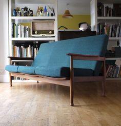 Guy Rogers 3 seater Manhattan sofa in original fabric. Antique Sofa, Take A Seat, Guest Room, Manhattan, Sofas, Retro Vintage, Guy, Lounge, Throw Pillows