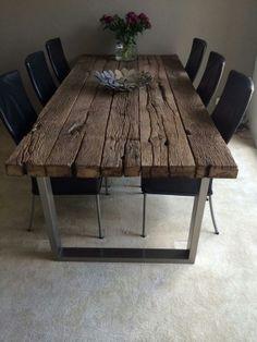 Oud eikenhouten tafel met rvs frame
