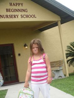 First day of school. What's Wrong with this Photo? Funny Images, Funny Photos, Just For Gags, Cute Family Photos, She Wolf, College Humor, Whats Wrong, The Funny, Funny Farm