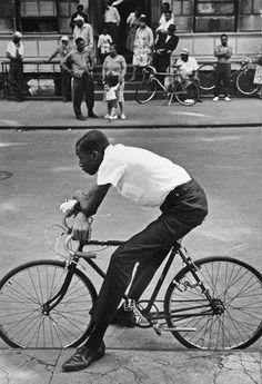 Leonard Freed, Harlem, New York City, USA, 1963 . © Leonard Freed/Magnum Photos Leonard Freed, Photo Exhibit, Black Like Me, Street Portrait, Free Photography, The New School, Magnum Photos, Us Images, Bike Life