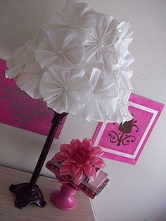 Cute redo    Tutorial for the flowers    http://1talentedfamily.blogspot.com/2010/04/gathered-fabric-flower-tutorial.html