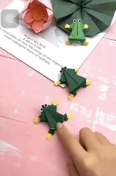 Diy Crafts Hacks, Diy Crafts Videos, Easy Crafts, Diy And Crafts, Cool Paper Crafts, Paper Crafts Origami, Diy Paper, Christmas Drawings For Kids, Diy For Kids
