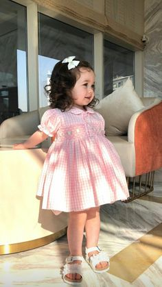 Cute Baby Girl Pictures, Cute Baby Girl Outfits, Cute Comfy Outfits, Cute Baby Clothes, Baby Photos, Cute Funny Babies, Cute Kids, Toddler Fever, Cute Baby Wallpaper