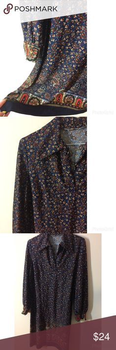 👾FLASH 1 HR👾Vintage Handmade Paisley Dress This is so cool! One of a kind vintage handmade floral/paisley dress. The color is mostly navy! Looks super cute with a belt and ankle boots. The second pic is a really blurry shot of my friend wearing this on a night out 😂😍 one size fits most! Vintage Dresses