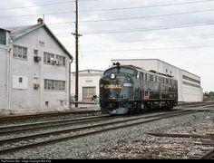 RailPictures.Net Photo: CR 4020 Conrail EMD E8(A) at Lebanon, Pennsylvania by Bob Kise