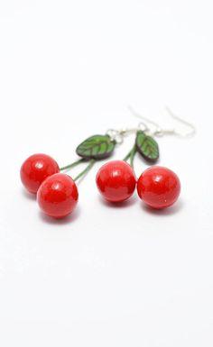Ehi, ho trovato questa fantastica inserzione di Etsy su https://www.etsy.com/it/listing/213818528/red-cherry-earrings-handmade-polymer