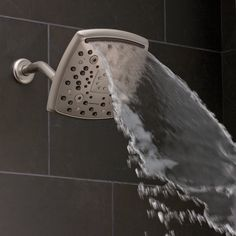 Oxygenics Marvel in brushed nickel, set on the Waterfall setting.