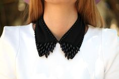 Black collar with white, love!