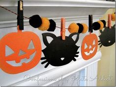 with a French Accent Comida De Halloween Ideas, Fröhliches Halloween, Dollar Tree Halloween, Halloween Bunting, Halloween Decorations For Kids, Adornos Halloween, Halloween Pillows, Halloween Party Games, Homemade Halloween