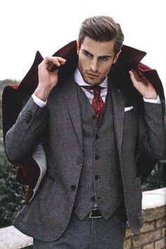 Le costume gris anthracite est un vrai must-have pour chaque homme! Gentleman Mode, Dapper Gentleman, Gentleman Style, Gentleman Fashion, Dapper Man, Mens Fashion Blog, Fashion Mode, Style Fashion, Workwear Fashion