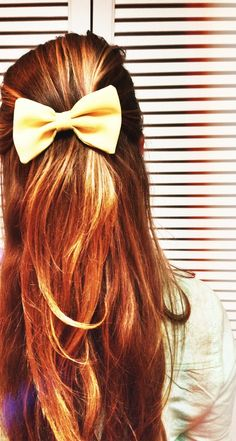 Copper red hair with long layers and cute bow. Pretty Hairstyles, Straight Hairstyles, Wedding Hairstyles, Copper Hair, Copper Red, Good Hair Day, Hair Dos, Gorgeous Hair, Her Hair