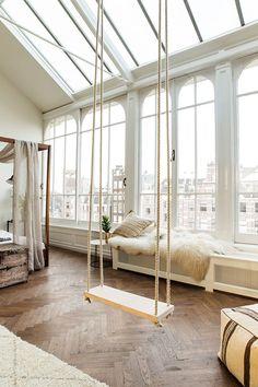 parquet, balançoire, baies vitrées