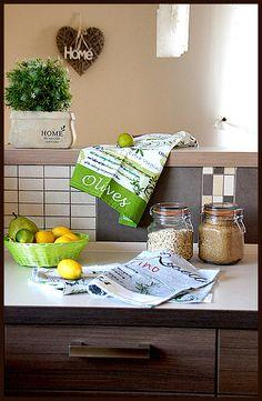 Do tego oliwki jak na ręczniku, intensywnie kolorowy koszyczek  i cały dzień nabiera optymistycznych barw :)