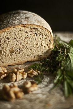 Unser neues Brot der Woche: Walnussbrot mit Kräutern der Provence