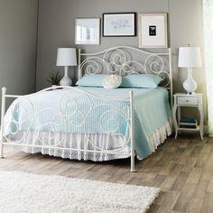 Schlafzimmer · Emma Plain White Queen Size Bed