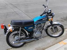 Honda 125, Honda Cb 750 Four, Motos Honda, Honda Scrambler, Vintage Honda Motorcycles, Honda Bikes, Honda Motors, Cafe Racer Honda, Vespa