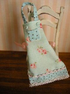 miniature dollhouse apron by Mosswayminiatures on Etsy, $9.50
